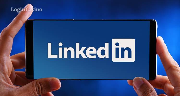 Казахстан вернул доступ к LinkedIn: рекламу казино убрали